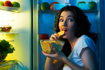 10 Easy Tips to Stop Nighttime Eating