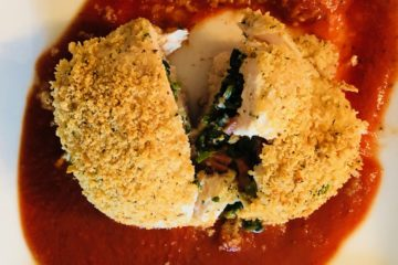 Pizza-stuffed chicken with pizza sauce